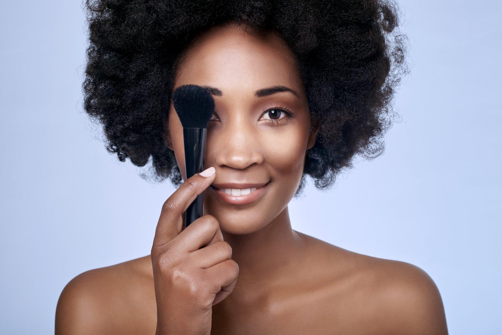 Maquiagem pele escura