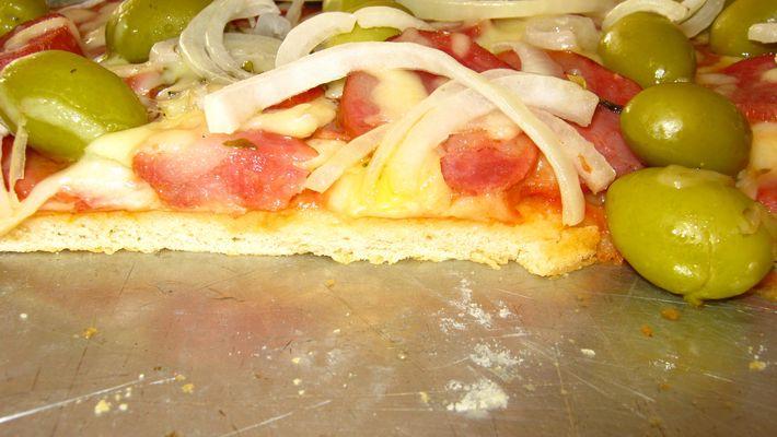 Massa de pizza deliciosa e fácil