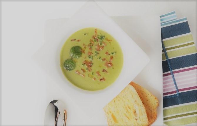 Sopa de ervilha com menta
