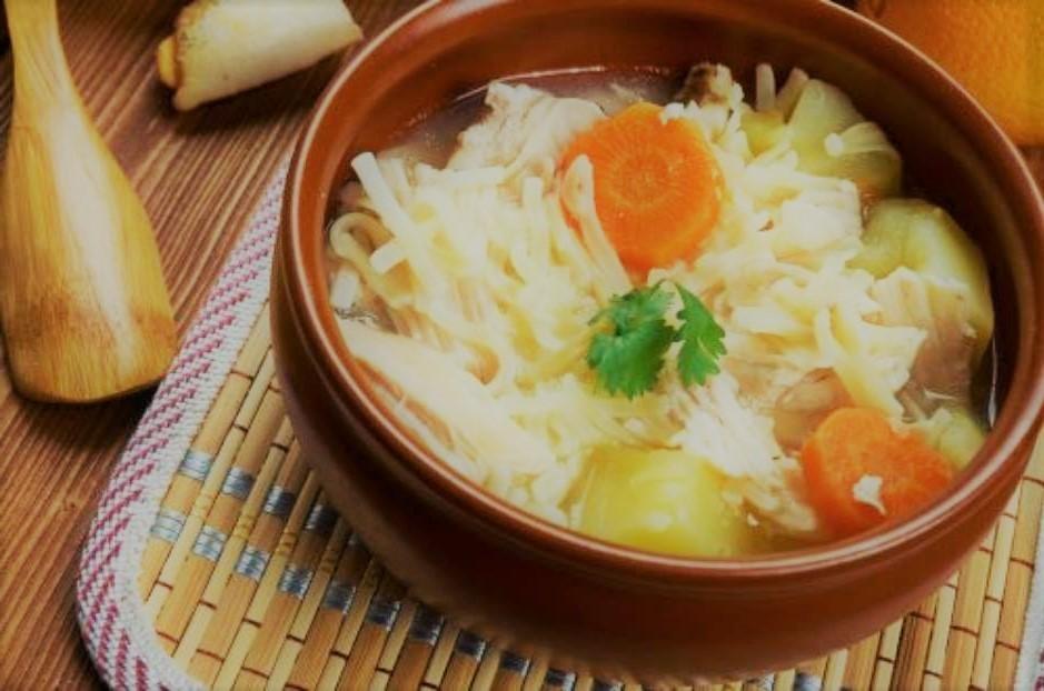 Canja de galinha: receita rápida e deliciosa
