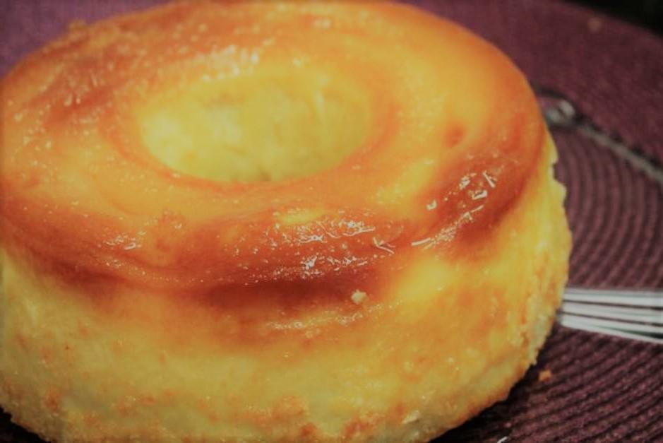 Bolo queijadinha cremoso