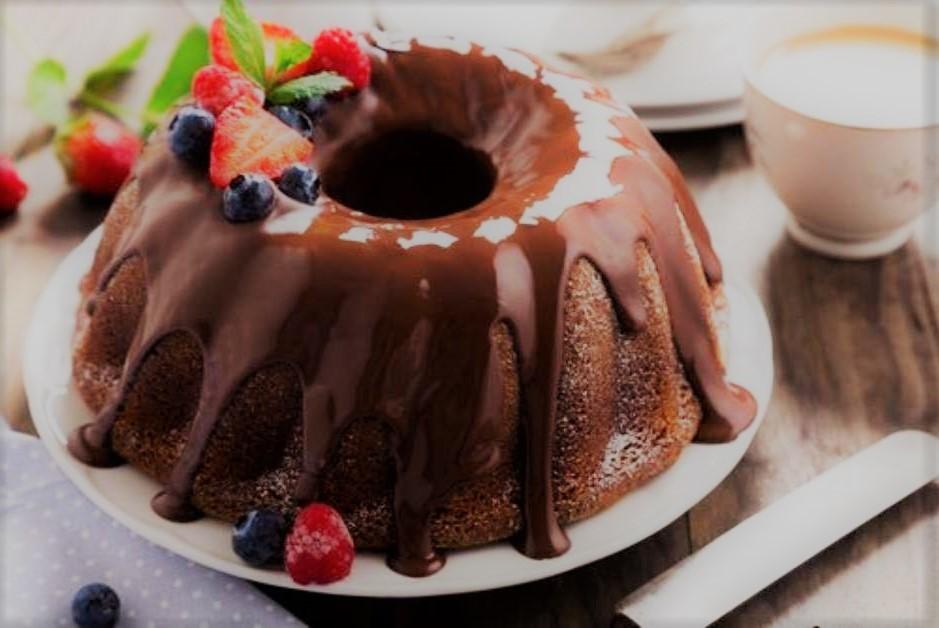 Bolo de chocolate de liquidificador simples