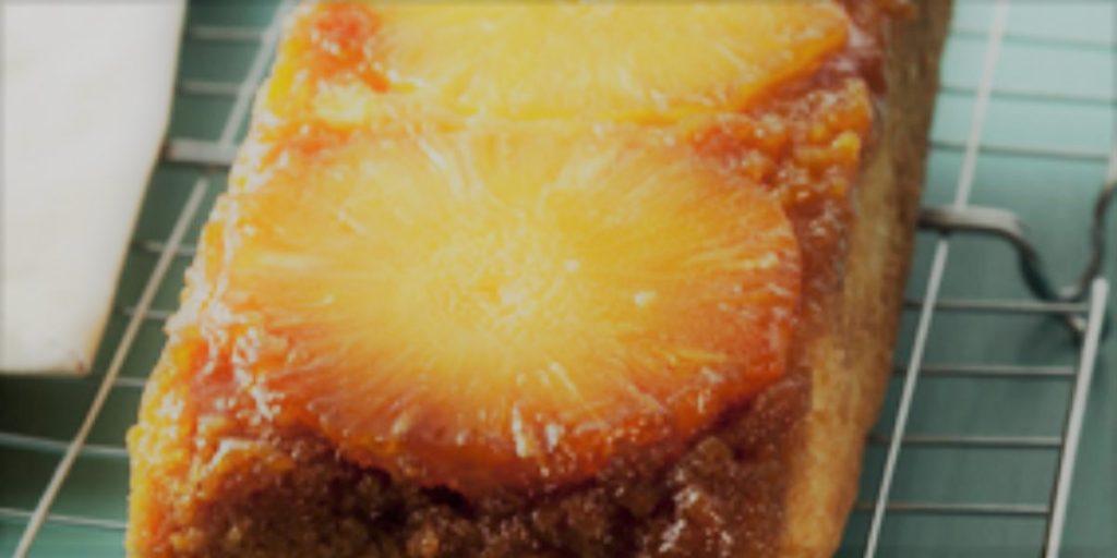 Torta Invertida de Abacaxi