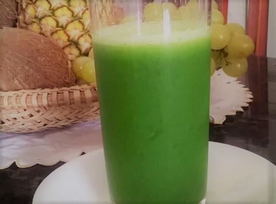 Suco verde refrescante